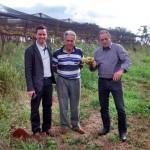 Prof. Roberto Pettres, Prof. Pedro Bortolacci e o Prefeito Dejair Valério