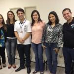 (Da esquerda para direita)  Karen Fabiane Correa Alves (Fonoaudióloga); Renata Abreu (Assistente Social do IFPR); Anderson Rafael Siqueira Nascimento (Intérprete da UFPR); Tania Peralta (Pedagoga e Coordenadora de Pesquisa do IFPR); Josiane  Junia Facundo de Almeida (Professora da UEL) e Lucas de Moraes Negri (Intérprete do IFPR).